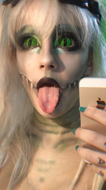reptile green sclera lenses goggles fangs cyberpunk monster high make up cute sexy beautiful