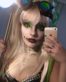reptile green sclera lenses goggles cyberpunk monster high make up cute sexy beautiful